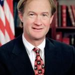 Lincoln Chafee, oberoende fd guvernör Rhode Island, fd republikansk senator.  Ställer upp