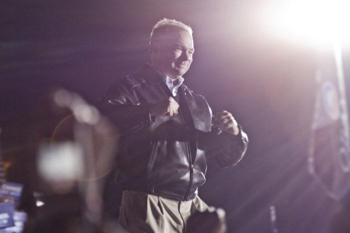 Tim Kaine på kampanjmöte för Obama dagen innan valdag 2008. (Foto: JoshuaDavisPhotography)