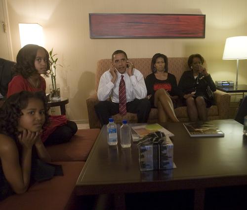 Första gästen i Michelle Obamas nya podd är...