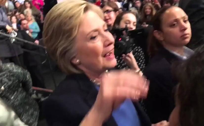 Clinton bemöter kritik från Greenpeace