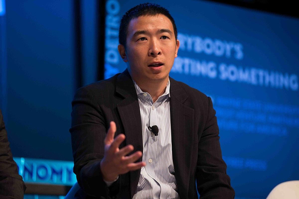 Yang ger sitt officiella stöd till Biden