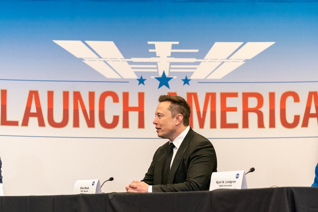 Elon Musk tycker till om Trump och Biden